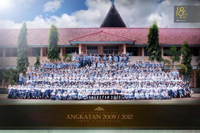 Photo Angkatan untuk Buku Tahunan Sekolah