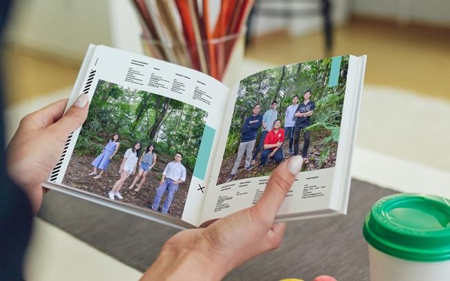 konsep foto kelas buku tahunan sekolah